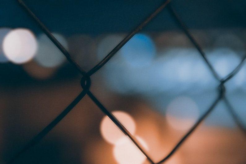 Alambrada para los condenados a penas de prisión